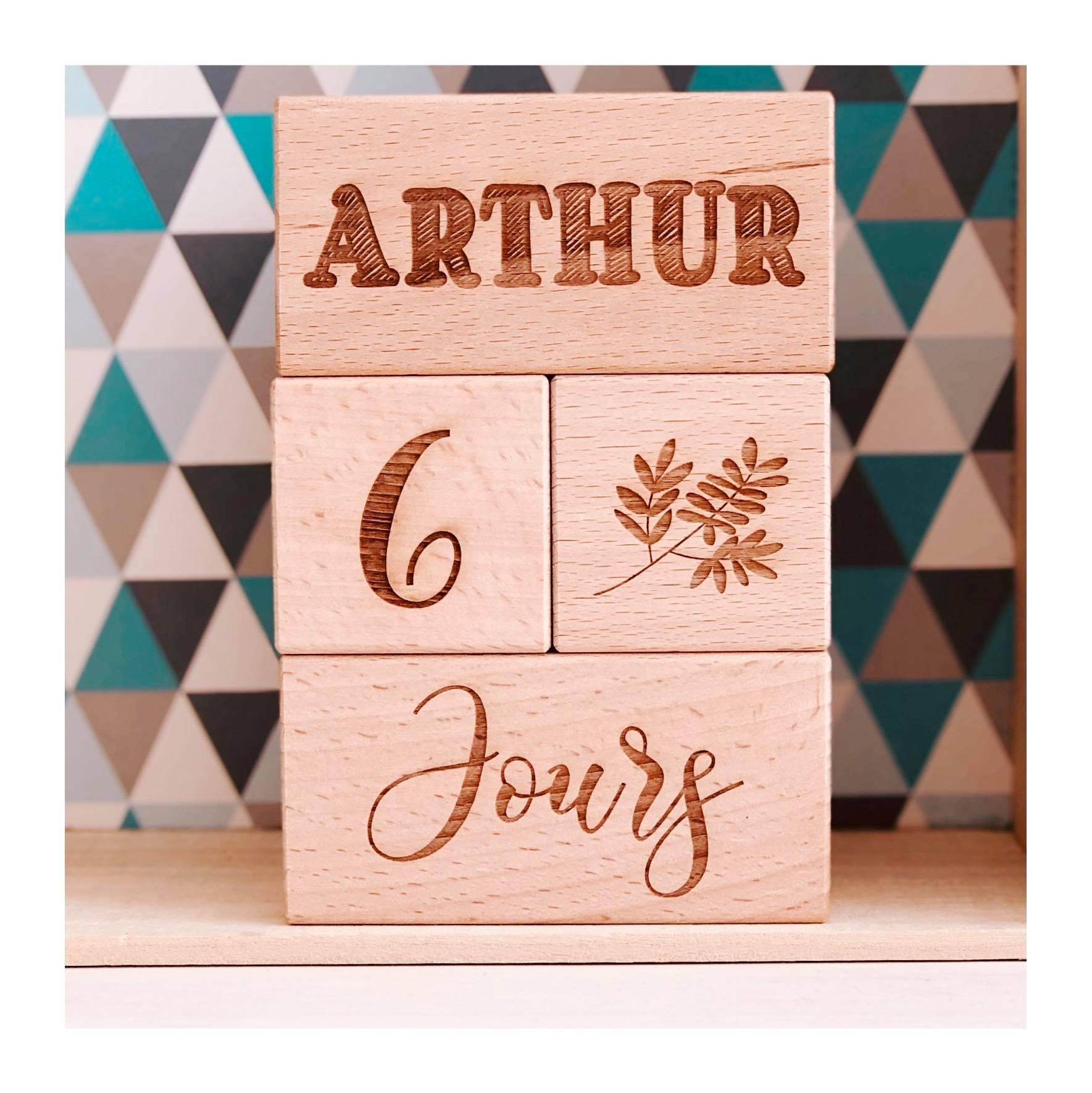 Cubes Etapes personnalisés en bois